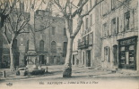 MANOSQUE - L'Hôtel De Ville Et La Place - Manosque