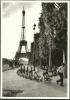 CARTE POSTALE PHOTO DE ROBERT DOISNEAU : LA CAVALERIE DU CHAMP DE MARS ; PARIS NB350 - Doisneau