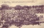 CONGO BELGE = Indigène Se Rendant à Bord D'un Steamer Pour Vendre Lerus Produits - Belgian Congo - Other
