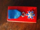 Chevalier Ordre National Du Mérite  Boite Medaille Decoration TBE - Frankrijk