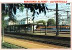 Carte Postale 94. Maisons-Alfort Alfortville  Train TGV Rentrant En Gare Très Beau Plan - Maisons Alfort
