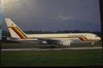 B 767 200     AIR ZIMBAWE     Z WPE - 1946-....: Moderne