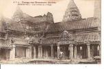 VOYAGE AUX MONUMENTS  KHMERS ANGKOR-WT COUR INTERIEUR DU 3è ETAGE(PERSONNAGES)   REF 24477 - Viêt-Nam