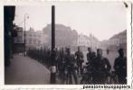 PHOTO ALLEMANDE    EINDHOVEN   1941  PLACE   SOLDATS ALLEMANDS - Eindhoven