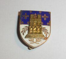 Broche Blason Cathédrale Reims En Relief - Other