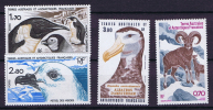 TAAF 1985 Maury A86-87 + 112-113  Neuf**/ MNH,   Imbre 3,90 F Perforation Irrégulières Top - Ongebruikt