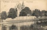 MONTIGNAC    Les Bords De La Vézère .Château De Clérant à St Léon-sur-Vézère(cheval) - France