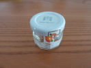 """Pot De Confiture Miniature En Verre """"abricot"""" 4x4cm  Hôtels Barrière (vide) - Unclassified"""