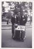 19515 Deux Photo Enfant 194? Parent  - Sans Doute Paris France -landau