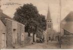 BIERNE (Mayenne). - La Rue De L´Eglise      1 PLI A CHAQUE COIN BAS DE LA CARTE - Frankreich
