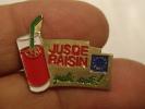(pin1111z) Pin´s Pins Thème BOISSONS /  LE JUS DE RAISIN QUELLE SANTE    Fabriqué Par Ou Pour ?????   Très Bon état (pou - Boissons