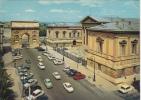 34 - MONTPELLIER - L´Arc De Triomphe Et Le Palais De Justice. Automobiles, Voitures... - Montpellier
