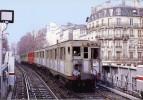 RATP PARIS - Rame SPRAGUE à BARBES-ROCHECHOUART Ligne 2 - Février 1976 - Subway