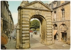 33.063.24 - BORDEAUX - La Porte Dijeaux - Non écrite Dos Propre - Animée - Scan Recto-verso - Bordeaux