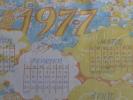 Calendrier sur tissu 1977 Antoinette mensuel f�minin de la CGT. Voir 5 photos.