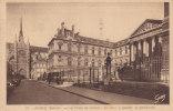 Ph-CPA Amiens (Somme) Le Palais De Justice Au Fond, à Gauche La Cathédrale - Amiens