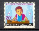 1974 PAKISTAN UNIVERSAL CHILDREN DAY CHILD  UMM. - Pakistan