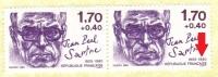 YT 2357 A & 2357 B Se Tenant. Variété Avec Le Point Sur Le I De FRANCAISE. Paire Se Tenant! Jean-Paul Sartre - Curiosités: 1980-89 Neufs