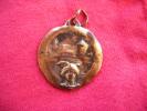 Travail Du Poilu-soldat (sous Reserve) Medaille -daye Mai 19.. Diametre 2.5cm- - Army & War