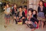 THAILANDE  THAI HILL TRIBE MEO FAMILY RESTING - Thaïlande