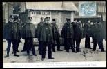 CPA. PARIS 1 MAI 1906. LES JOURNÉES HISTORIQUES. Place De La République, Baraque Servant De Quartier Général à M. Lépine - Manifestations