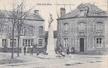 CPA - 14 - VER Sur MER - Le Monument Et La Place - France