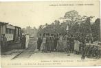 AZAGUIE.   Un Tam-Tam Abey Au Passage D'un Train. - Côte-d'Ivoire