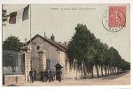 CPA 58 COSNE - La Caserne Binot Et Route De Nevers - Cosne Cours Sur Loire