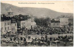 12 VILLEFRANCHE-de-ROUERGUE - Place Savignac Un Jour De Marché - Villefranche De Rouergue