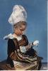 29 - Costume De Pont-Aven -  Petite Fille à La Poupée - Pont Aven