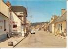 PONT DE GENNES (Sarthe) - La Grande Rue Et L´Hotel.. - France