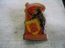 Pin´s Du Gevaudan De Saint CHELY D' APCHER - Badges
