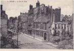 51. REIMS. La Rue De Vesle. 10 - Reims