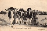 44 Batz Sur Mer  Bourg De Batz Un Jour De Fete Animée - Batz-sur-Mer (Bourg De B.)
