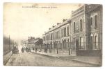 Liancourt (60) : Avenue De La Gare En 1930 (animée). - Liancourt
