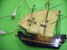 Lampe Forme Bateau -the Golden Seahorse---fil Electrique A Remettre Aux Normes - Lamps