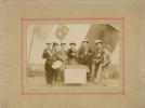 LOIRET - COURTENAY - MILITARIA - PHOTO Originale Début XX° Siècle  Représentant Les Conscrits Classe 1900 - Lieux