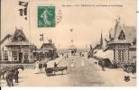 CPA CALVADOS (14) Les Chalets Et Le Kiosque  CALECHE CHEVEAUX TRES BELLE ANIMATION - Deauville