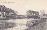 PRECY-SUR-OISE.  _  Le Pont. Des Maisons Sont Pratiquement Dessous. Pecheurs à La Ligne. Barques Dans Les Roseaux. - Précy-sur-Oise