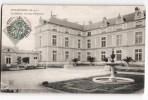 MAULEVRIER LE CHATEAU LA COUR D'HONNEUR 49 - Non Classés