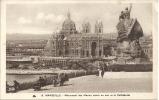 MARSEILLE - Monument Des Marins Morts En Mer Et La Cathédrale - Otros Monumentos