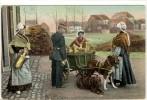 Carte Postale Ancienne Belgique - Laitière Belges. Analyse Du Lait - Attelage à Chiens, Policier - Belgium