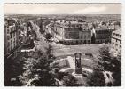 12 - Rodez - Place D'Armes Et Avenue Victor Hugo - Editeur: Apa Poux N° 132 - Rodez