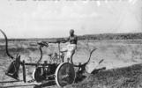 SOMALIE - BENADIR - La Civilta In Africa - L'Aratro Meccanico Condotto Da Un'Indigeno - Somalie