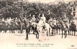 75 LES FETES DE LA VICTOIRES A PARIS 14 JUILLET 1919 AVANT LE DEFILE LES MARECHAUX PETAIN ET FOCH - Patriottiche