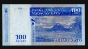 MADAGASCAR 100 ARIARY 500 FRANC 2004 - Madagascar