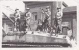 20568 Carte  Photo Militaire  La Chartreuse Belgique Liege 15 Mai 1950 - Soldat Char Américain - Personnages