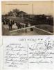 29 L´ABERVRACH- La Gare Vue De La Route. Train- Nombreux Voyageurs En Costume Breton1915 TBE - France