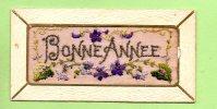 Petite Carte Brodée - BONNE ANNEE En Couleur Mauve -  2 Scans - Brodées