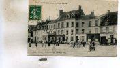 Mortagne  61     La  Place D'Armes  Tres Tres Animée  Café De France -Marchand De Journaux - Mortagne Au Perche